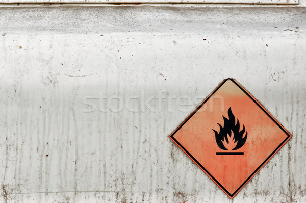 Combustible tanque inflamable material capeado Foto stock © sirylok