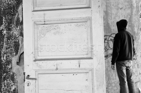 図 捨てられた 家 黒白 男 ストックフォト © sirylok