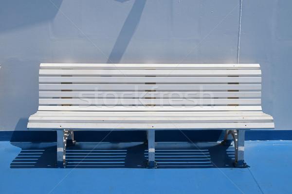Biały ławce lata prom łodzi statek wycieczkowy Zdjęcia stock © sirylok