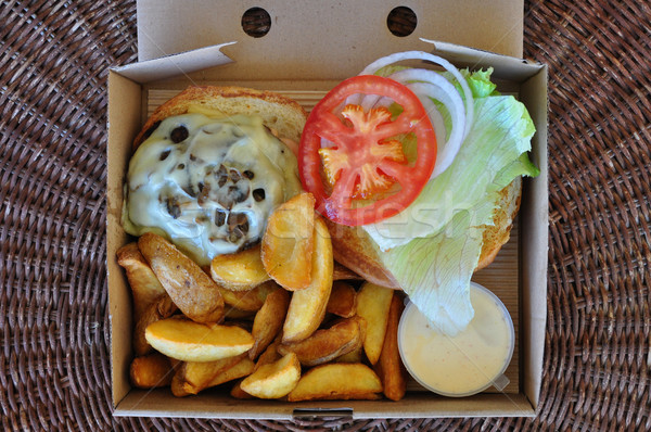 Burger frites fondu fromages champignons alimentaire Photo stock © sirylok
