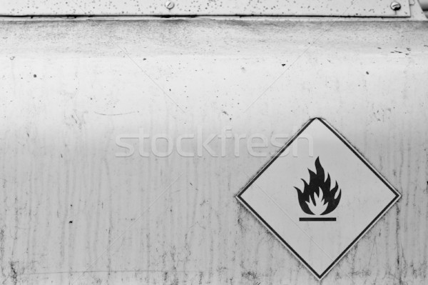 Inflamable material capeado Rusty superficie de metal Foto stock © sirylok