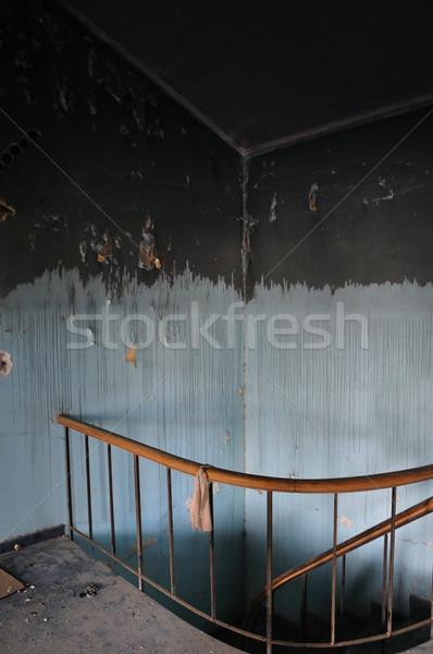 Befleckt Wand Treppe aufgegeben Haus malen Stock foto © sirylok