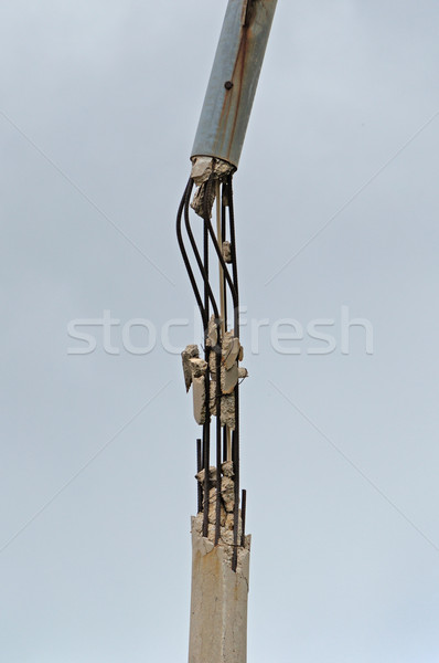 Konkrete Pol defekt rostigen Stahl Bars Stock foto © sirylok