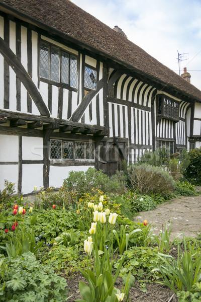 średniowiecznej domek sussex Anglii bitwa ogród Zdjęcia stock © smartin69