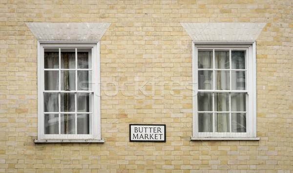 Tereyağı pazar pencereler imzalamak tarihsel şehir Stok fotoğraf © smartin69
