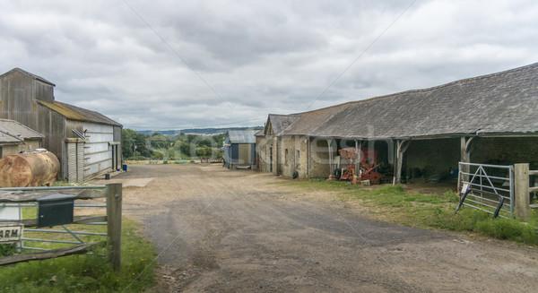Eski çiftlik görmek ev binalar Stok fotoğraf © smartin69
