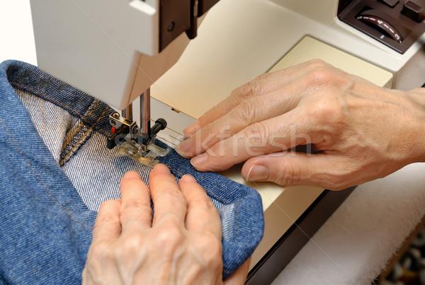 çalışma dikiş makinesi deneyimli kadın eller iş Stok fotoğraf © Smileus