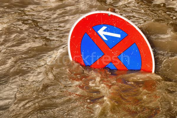 Overstroming humoristisch scène verkeersbord bruin Stockfoto © Smileus