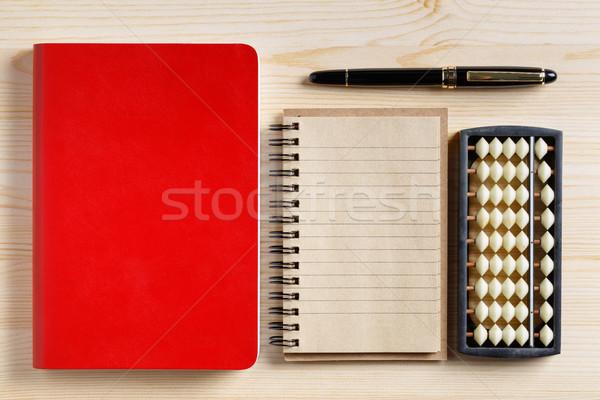 Vermelho livro marrom caneta cor Foto stock © smuay