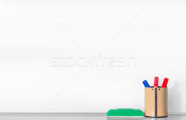 Tábla közelkép kék piros toll barna Stock fotó © smuay