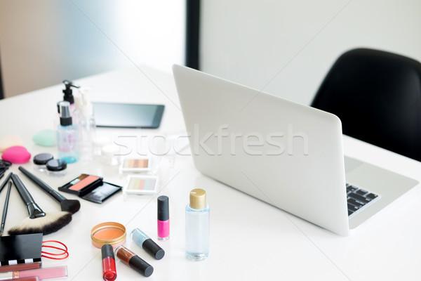 Kozmetikai szett fény öltözködőasztal szem divat Stock fotó © snowing
