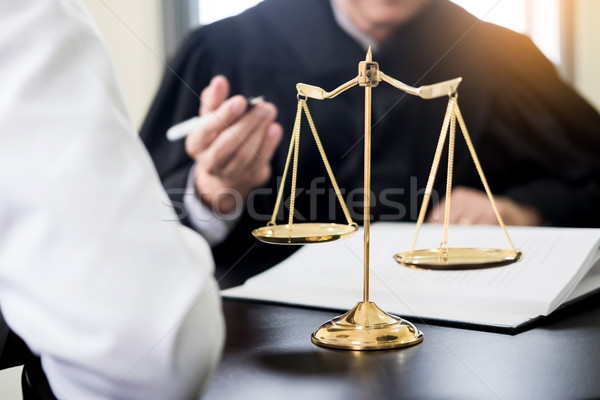 Foto stock: Gente · de · negocios · abogados · contrato · documentos · sesión