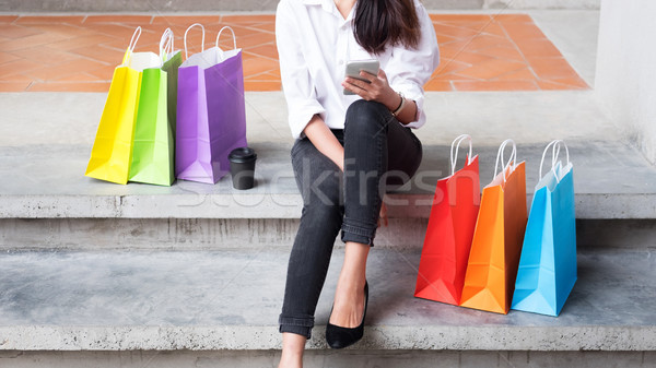 Bela mulher em pé moda armazenar Foto stock © snowing