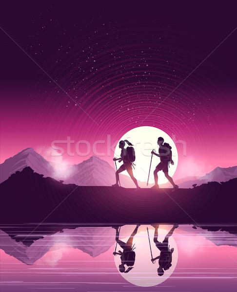Kirándulás hegyek pár emberek élvezi festői Stock fotó © solarseven