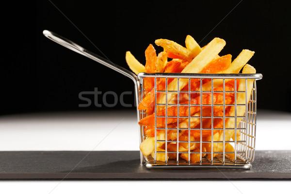 Gyönyörű kosár sült sültkrumpli sültkrumpli mély Stock fotó © SophieJames