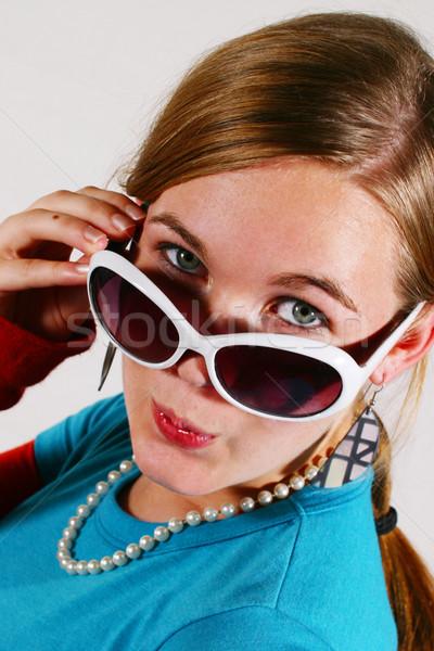 Néz közelkép tinilány néz nap szemüveg Stock fotó © soupstock