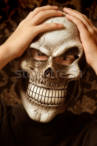Esqueleto máscara adolescente assustador halloween Foto stock © soupstock