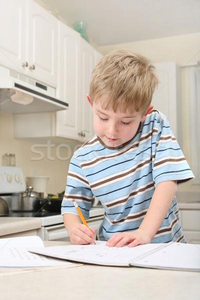 Huiswerk keuken aanrecht papier werk Stockfoto © soupstock
