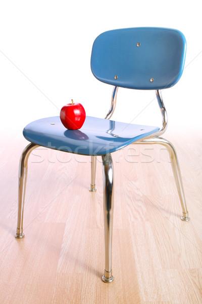 Silla manzana estudiantes aula solo aprendizaje Foto stock © soupstock