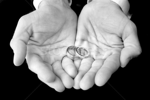 Bruidegom trouwringen handen afbeelding Stockfoto © soupstock