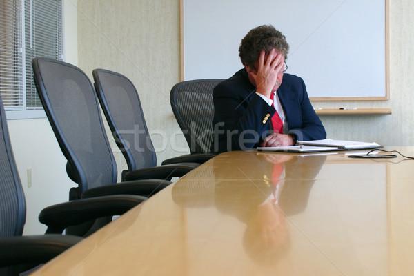 Einde moeilijk dag zakenman vergadering conferentiezaal Stockfoto © soupstock