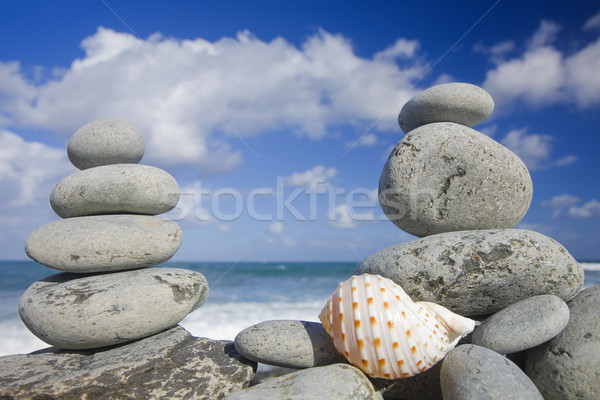 Concha costa água nuvens Foto stock © spanishalex