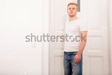 молодым человеком домой молодые блондинка человека служба Сток-фото © Spectral