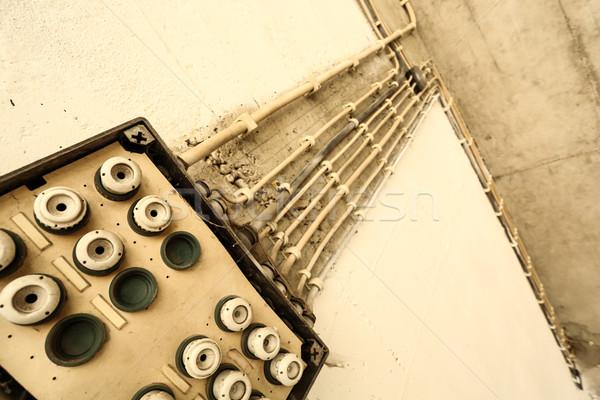 Velho eletricidade instalação cabos casa construção Foto stock © Spectral