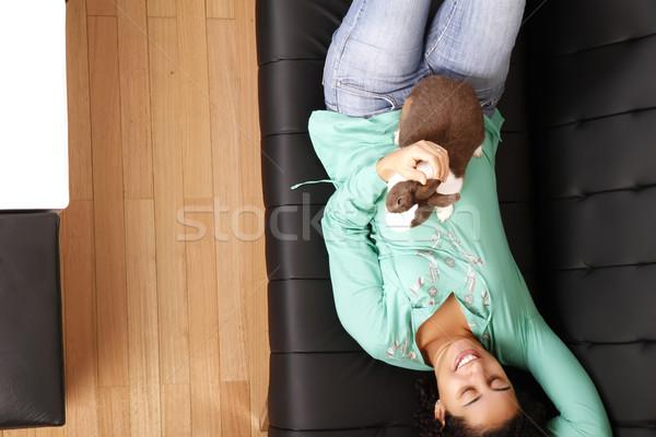 Dziewczyna królik młodych kobieta szczęśliwy bunny Zdjęcia stock © Spectral