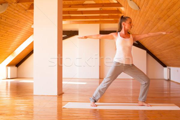Kadın yoga stüdyo genç kadın büyük Stok fotoğraf © Spectral