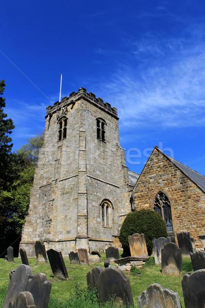 Dorp kerk kerkhof bomen Blauw godsdienst Stockfoto © speedfighter