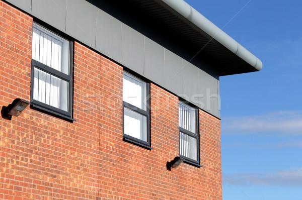 Foto stock: Moderno · tijolo · prédio · comercial · canto · blue · sky · céu