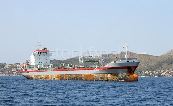 Сток-фото: старые · ржавые · грузовое · судно · вид · сбоку · морем · океана