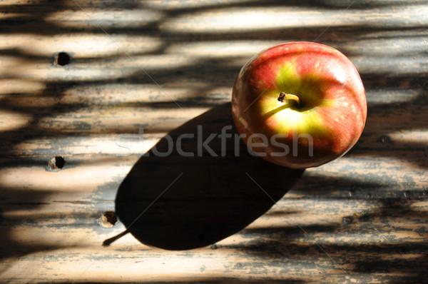 Succosa mela rossa rustico paese panchina bella Foto d'archivio © Sportlibrary