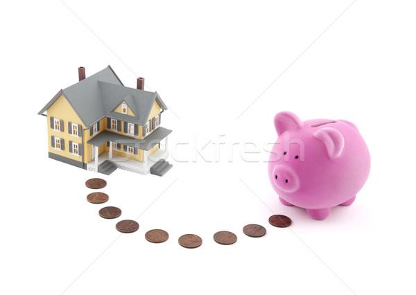 Foto stock: Ahorro · casa · alcancía · monedas · miniatura · dinero