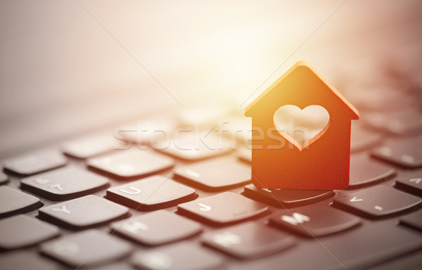 Foto stock: Pequeno · vermelho · casa · coração · construção