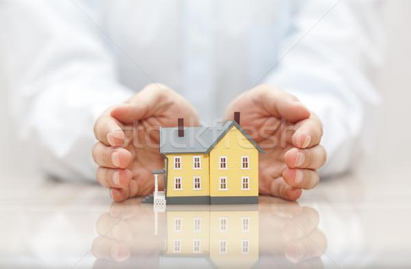 Ev sigortası ev eller inşaat güvenlik mimari Stok fotoğraf © sqback