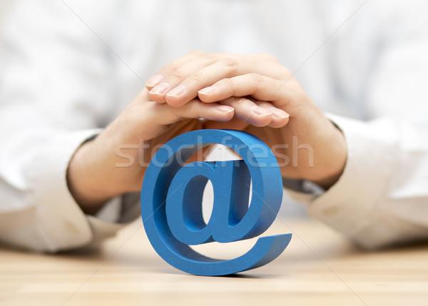 Azul e-mail símbolo protegido mãos computador Foto stock © sqback