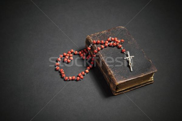 Rozenkrans oude bijbel boek jesus kerk Stockfoto © sqback