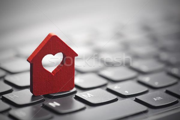 Foto stock: Pequeno · vermelho · casa · coração · amor