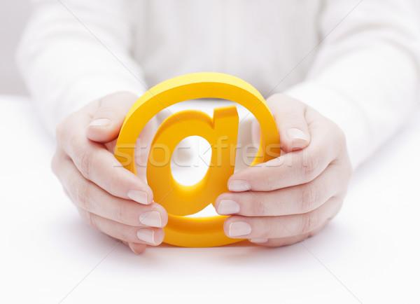 Сток-фото: 3D · электронная · почта · символ · защищенный · рук · стороны