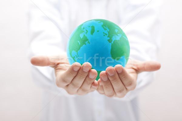 Aarde handen groene Blauw menselijke veiligheid Stockfoto © sqback