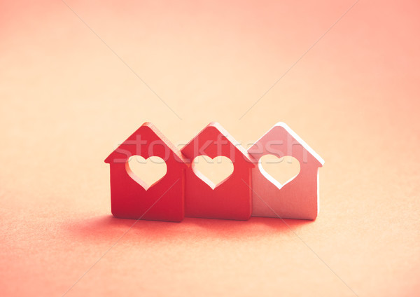 Drie klein huizen hart home Rood Stockfoto © sqback