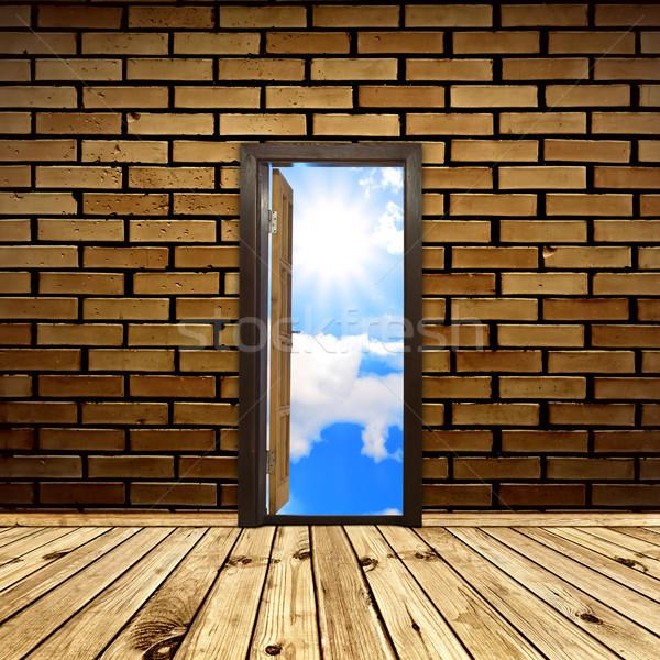 Szabadság belső kinyitott ajtó fal nap Stock fotó © SRNR