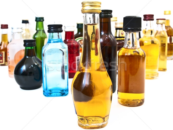 Alcohol botellas diferente blanco vino bar Foto stock © SRNR