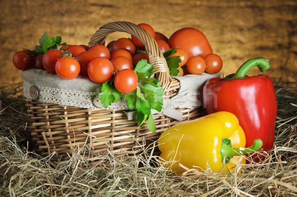 Martwa natura Berry pomidory koszyka dzwon papryka Zdjęcia stock © SRNR