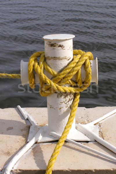 Amarelo corda água mar amarrar navegação Foto stock © SRNR