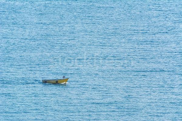 Pequeno barco mar preto água rio Foto stock © SRNR