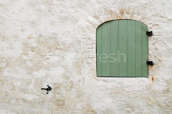 Ventana cerrado verde pared Foto stock © SRNR