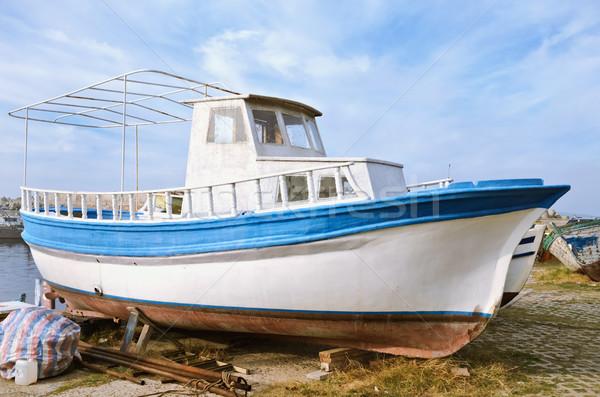 Motorówka łodzi brzegu połowów portu statku Zdjęcia stock © SRNR
